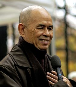 892px-thich_nhat_hanh_12_28cropped29